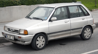 フォード フェスティバ