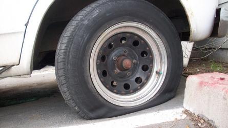 ドリフト中タイヤ外れ事故で重体!走る前に確認すべきこと5選