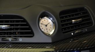 マセラティの時計