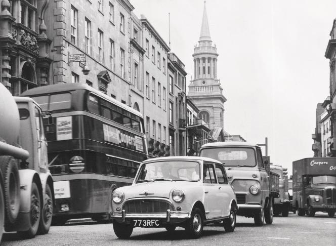 Morris Mini-Minor Super-de-Luxe