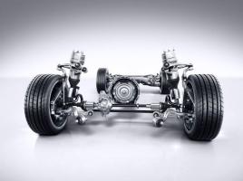 【車の豆知識】2WDと4WDとAWDとは?