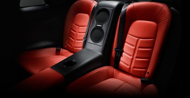GT-R 後部座席