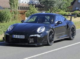 ポルシェ市販車史上、最強モンスター誕生か!「911 GT2 RS」がニュルに降臨