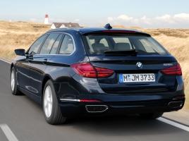 BMW、5シリーズ ツーリング次世代型はスポーティーな印象に!レンダリングCGを公開!