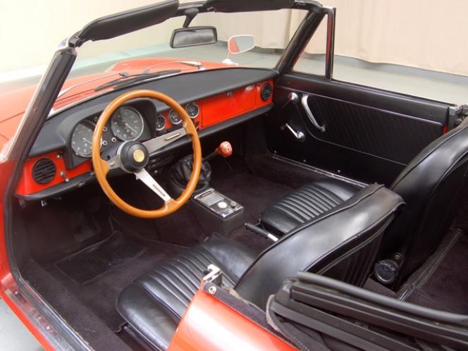 Alfa Romeo Duetta 1969年モデル インテリア