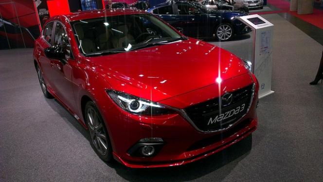 Mazda 赤