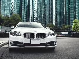 BMW 5シリーズの本当の魅力、それはドライバー・同乗者誰にとっても快適な車内空間にあり!