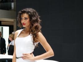 車の祭典に超絶美女集結!2014年パリ・モーターショー新着画像