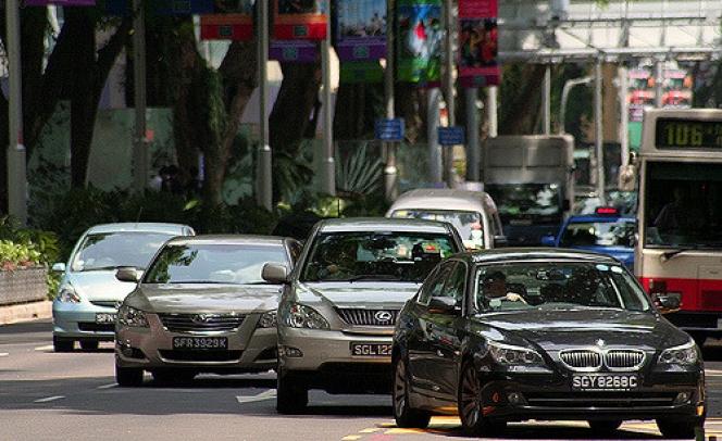 シンガポール 交通事情