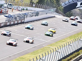 24時間レースも行われる「ピレリスーパー耐久シリーズ」ってどんなレース?