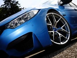 BMW M3専用設計の最軽量鍛造アルミホイールはもちろんBBSジャパン製。BBS FI-Rとは?