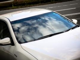 自動車ガラスのトラブルは『グラスピット』で解決!