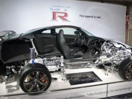 GT-RやLFAで国産車にも採用!トランスアクスルレイアウトのメリットやデメリットとは?!