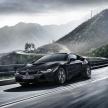最高速度が約250km/hの「M4」と「i8」…BMWの高性能車の対決の結果は?