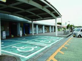 その駐車、必要ですか 〜障害者等用駐車場を巡って