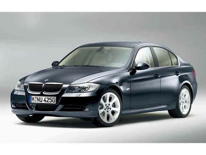 BMW・3シリーズ330i