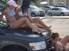 【動画】車のボンネットで目玉焼き?猛暑時のボンネットは何度まで熱くなるのか?