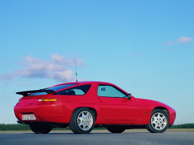 ポルシェ 928 GT (1990)
