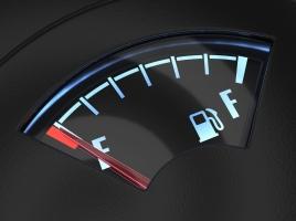 「燃料残量警告灯」が点滅しても、あと50kmは走行できるって本当?