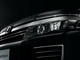 2年連続売上1位!トヨタ ヴォクシーはなぜ圧倒的に人気なのか?