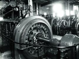 ディーゼルエンジンにスパークプラグがない理由とは?