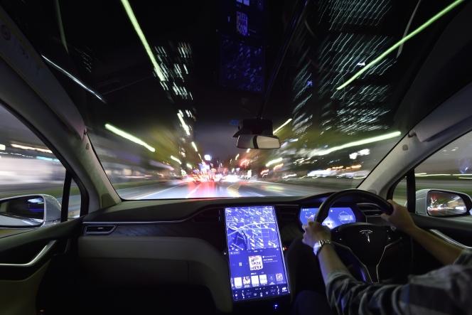 テスラモーターズ モデルX 75D 夜間走行