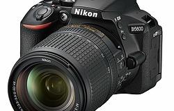 Nikon デジタル一眼レフカメラ D5600 18-140
