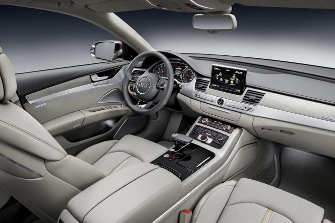 アウディ A8 L W12 quattro
