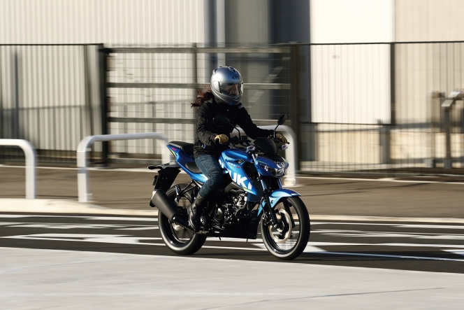 アヘッド GSX-S125