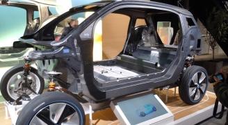 カーボンボディ(BMW i3)