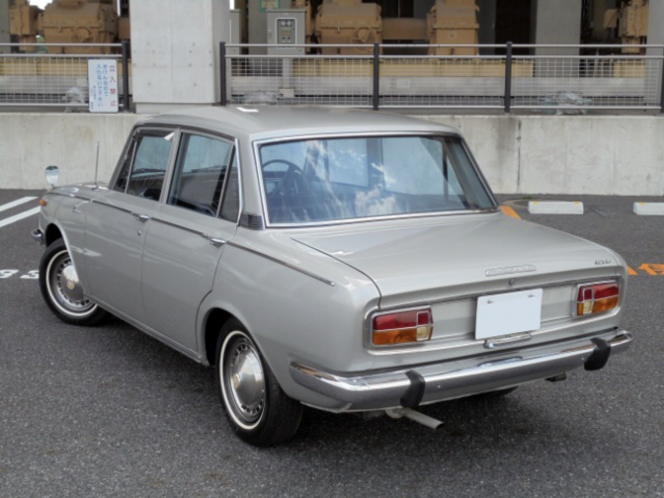 トヨタ コロナ スーパーデラックス