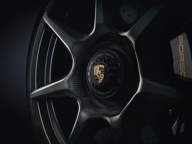 ポルシェ 911ターボS エクスクルーシブシリーズ用 ブレイデッドカーボンホイール(2017)