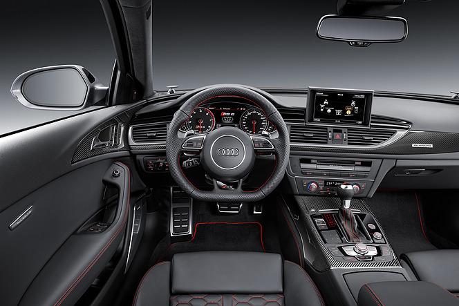アウディ RS6 アバント パフォーマンス