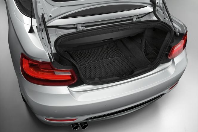 BMW 2シリーズ カブリオレ ラゲッジスペース