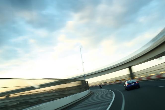 アヘッド Sky & Road