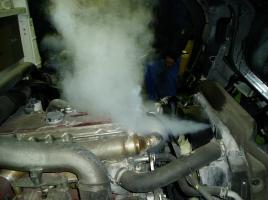 車が冬でもオーバーヒート…冷却水の水温が安定しない理由は?