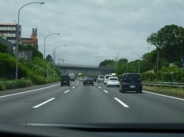 1人乗り自動車で高速道路って走れるの?