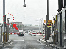 高速道路料金所にあるカメラって何を撮っているの?設置の目的とは?