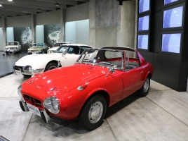 ライバルはホンダS600!トヨタの小さな名車「ヨタハチ」ってどんな車?