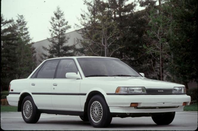 トヨタ カムリ (1986)