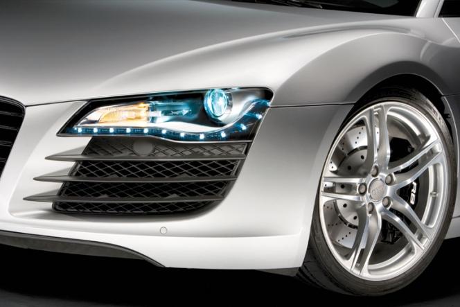 アウディR8 LEDポジションライトとヘッドライト