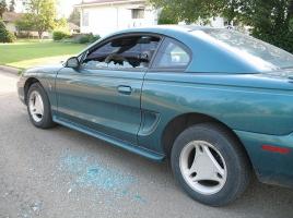 2億円超えのマクラーレン、石を投げられフロントガラス割れる…そんな被害にあった際の対処法とは?