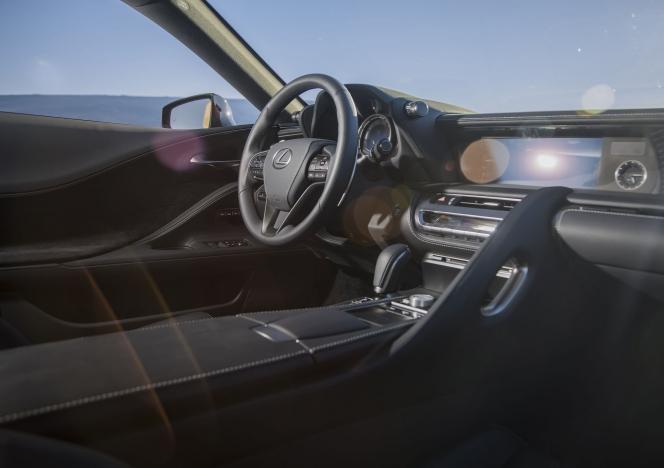 レクサス LC 500 2018