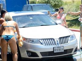 晴れの日と曇りの日、洗車をするならどちらがいいのか?