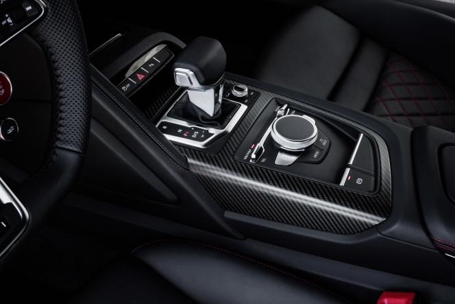 アウディ R8 クーペ V10 プラス