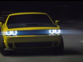 【動画】6.2L V8エンジンを積んだアメ車の夜の街でのド迫力ドリフト動画!