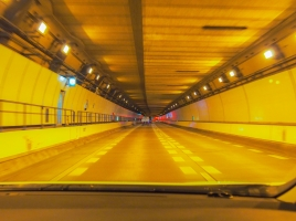 高速道路の非常口ってどこに繋がっているの?