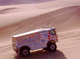 日野トラック、砂漠を爆走!ダカールラリーで5連覇達成