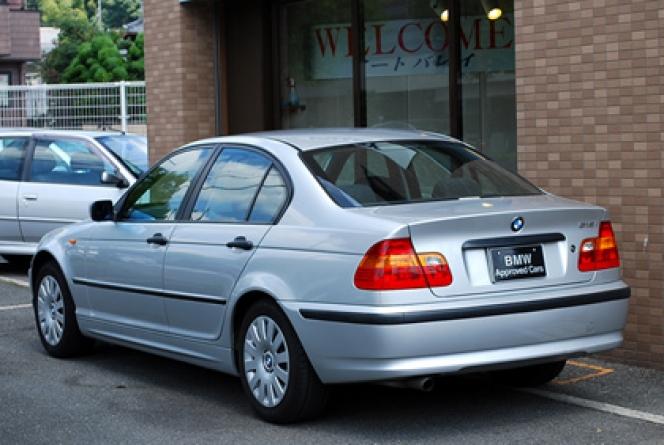 E46型BMW318i