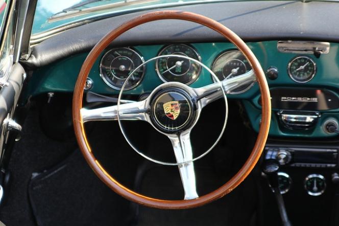 左ハンドル  Porsche
